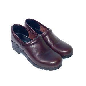 L.L. Bean Women's Brown Clogs Size 7M